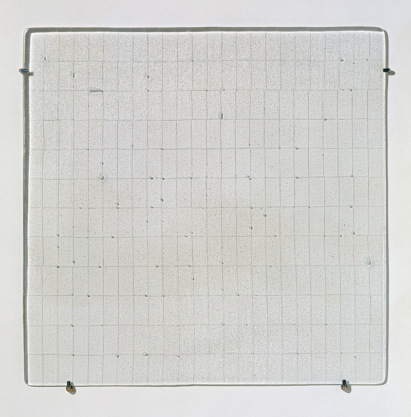 glasslines 01, 2008, Lackstift in Glasplatten eingeschmolzen, 72 x 72 cm