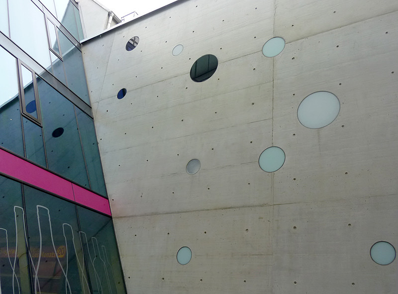Reflex in the Grid 2010, Mariahilferstraße 36